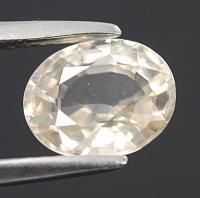 gemstone: เพทาย (Zircon) size: 8.3x6.8x3.8 carat: 2.23Ct.