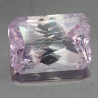 gemstone: คุนไซต์-Kunzite size: 21.0x14.9x11.9 carat: 30.95Ct.