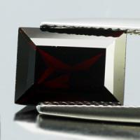 gemstone: โกเมน-Garnet size: 11.0x8.0x5.4 carat: 4.50Ct.