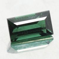 gemstone: กรีนทัวมาลีน-Green Tourmaline size: 8.5x4.8x4.3 carat: 1.61Ct.