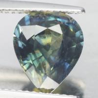 gemstone: เขียวส่อง(มรกตจันท์)-Green Sapphire size: 11.0x8.8x5.0 carat: 3.53Ct.