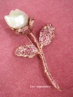 Rose Pearl brooch pink sapphire tourmaline เข็มกลัดไข่มุก พลอยพิ้งซัฟไฟร์ พิ้งทัวมารีน พลอยแท้ มราคาถูก มีใบรับรอง พลอยเสริมดวง แก้ชง เสริมราศี ของแท้