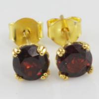 garnet พลอยโกเมน สีแดง พลอยแท้ เดือนมกราคม การ์เน็ต แหวน พลอย สร้อย แก้ชง ดูดวง เสริมดวง ราศีมกรา