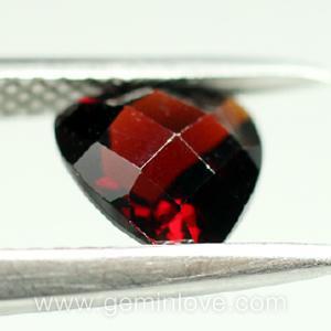 garnet พลอยโกเมน สีแดง พลอยแท้ เดือนมกราคม การ์เน็ต แหวน พลอยไทย  สร้อย แก้ชง ดูดวง เสริมดวง ราศีมกรา