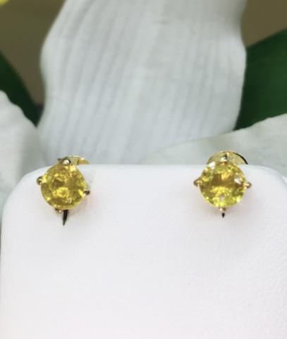 yellow sapphire พลอยบุษราคัม บางกะจะ จันทบุรี สีเหลืองส้ม เสริมดวง ดูดวง แก้ชง แหวน พลอยแท้  มีใบเซอร์