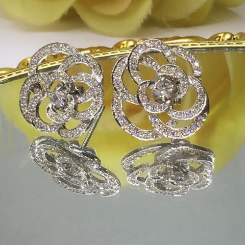 White Zircon earring  ต่างหูพลอยเพทายขาว  เพชรแท้ พลอยแท้ พลอยเสริมดวง สีขาว ดูดวง ราศี เมษ ของขวัญวันเกิด ชาแนล แก้ชง