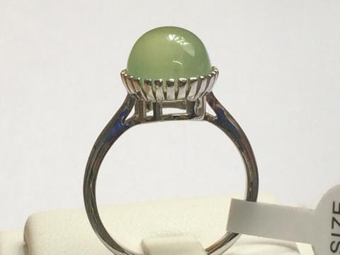 green chalcedony แหวนพลอยสีเขียว คาลสิโดนี่ พลอยแท้  อัญมณี สีเขียว เสริมราศีพฤษภา เสริมดวง วันพุธ แก้ชง ดูดวง ขายส่ง ราคาถูก ของขวัญ