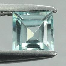 gemstone: เพทาย (Zircon) size: 4.7x4.7 carat: 0.77Ct.